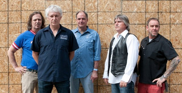Guided By Voices revela a track listing de English Little League