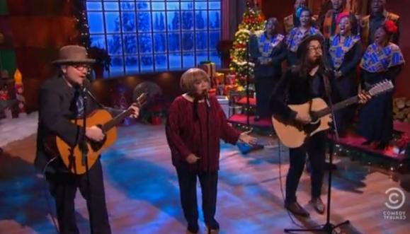 Jeff Tweedy (Wilco) se apresenta ao lado de Sean Lennon< e Mavis Staples