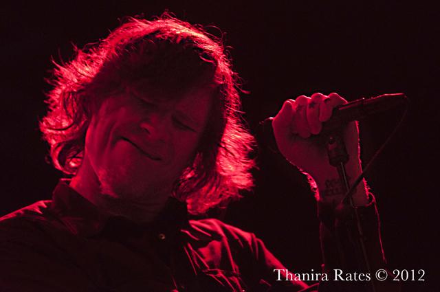 Resenha, fotos e vídeo: Mark Lanegan em Londres (04/12/12)
