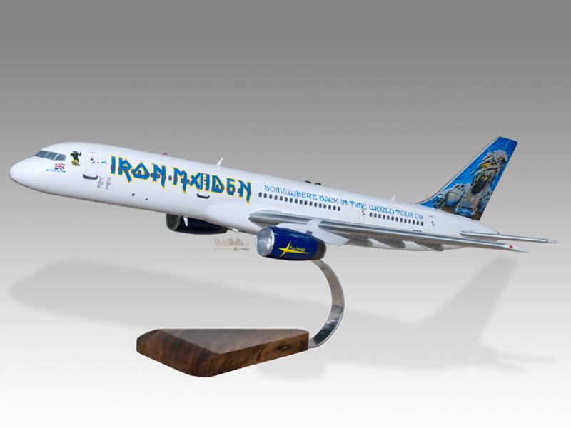 Réplica do avião utilizado pelo Iron Maiden na turnê Somewhere Back in Time