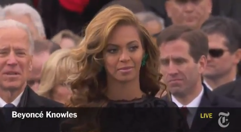 Beyoncé canta hino
