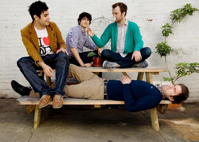 Vampire Weekend toca músicas novas na televisão