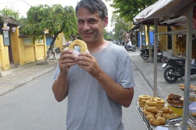 Produtor do Blink 182, Mark Trombino abre loja de donuts