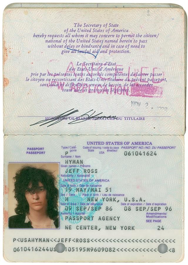 Joey Ramone terá itens pessoais leiloados