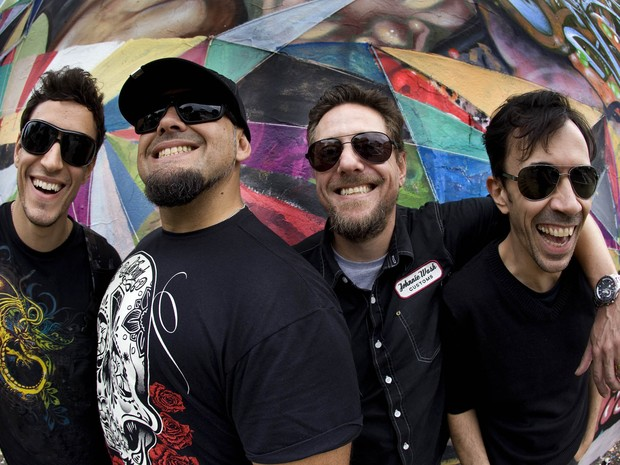 Raimundos confirma show no Recife