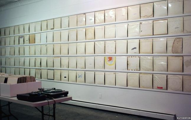 """Loja tem 650 cópias de """"White Album"""""""