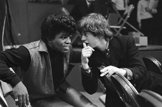 Mick Jagger vai produzir cinebiografia de James Brown