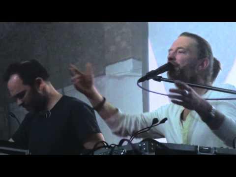 Thom Yorke apresenta músicas do Atoms for Peace