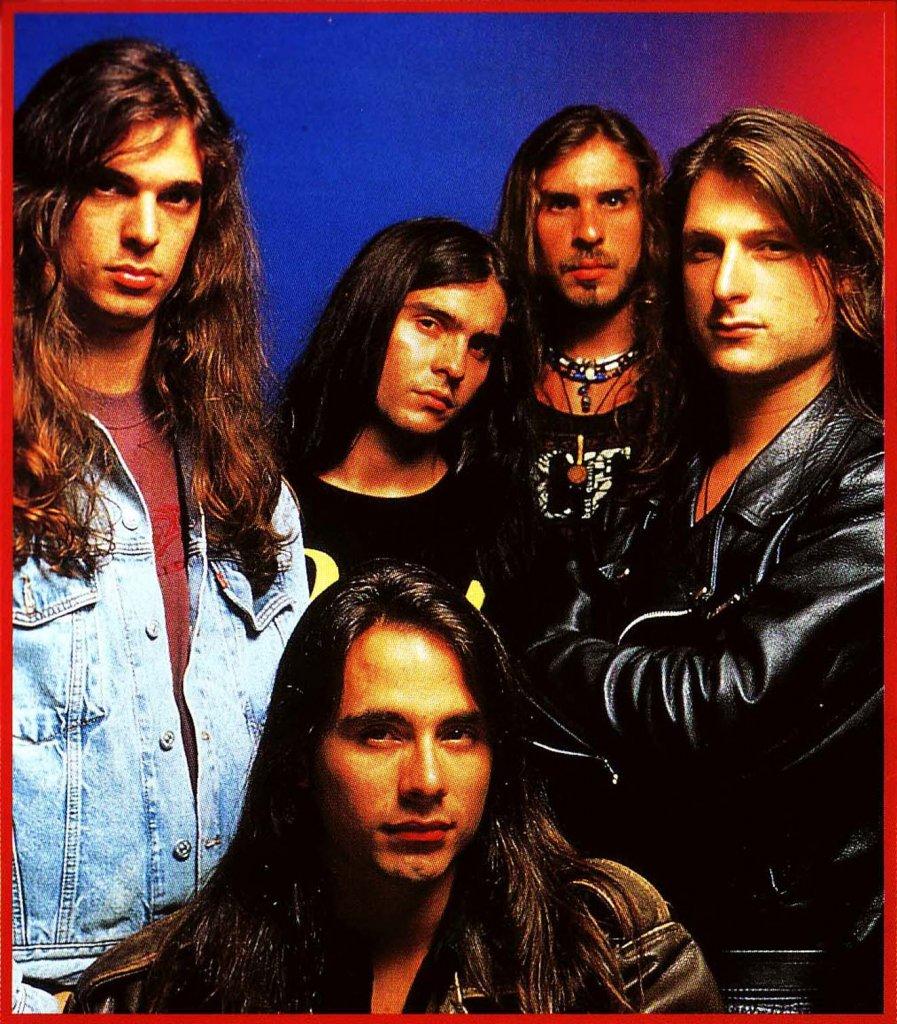 Angra em 1993, época do Angels Cry