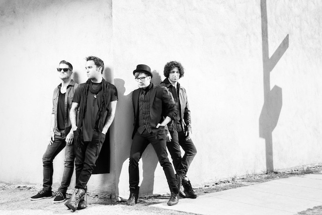 Fall Out Boy - TMDQA Entrevista Patrick Stump 2