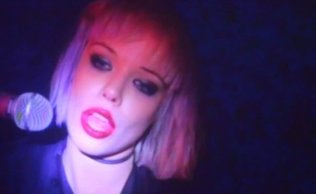 Novo clipe do Crystal Castles