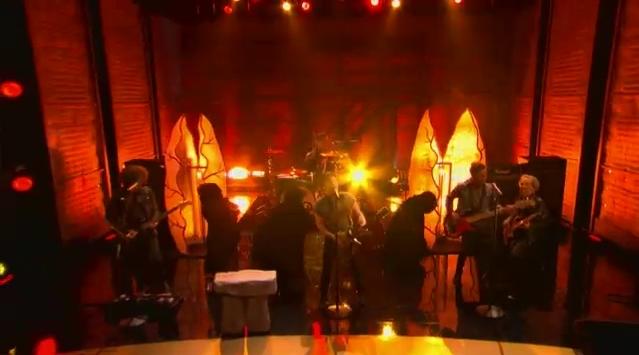 Na televisão: Fall Out Boy e M83