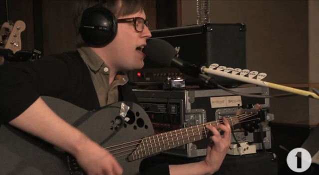 Patrick Stump faz cover de David Bowie