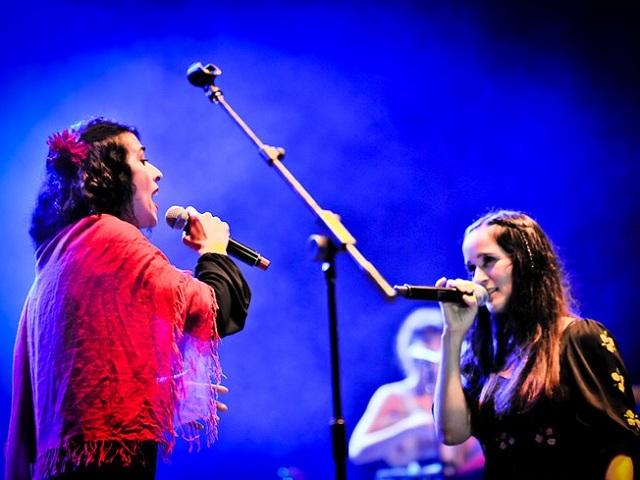 Marisa Monte e Érika Martins participarão de show de Julieta Venegas no Rio de Janeiro