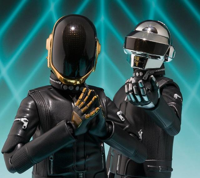 Daft Punk ganha bonecos em sua homenagem