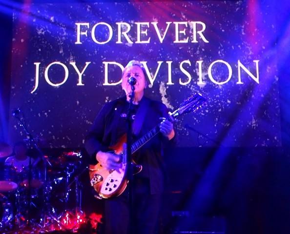 New Order toca Joy Division