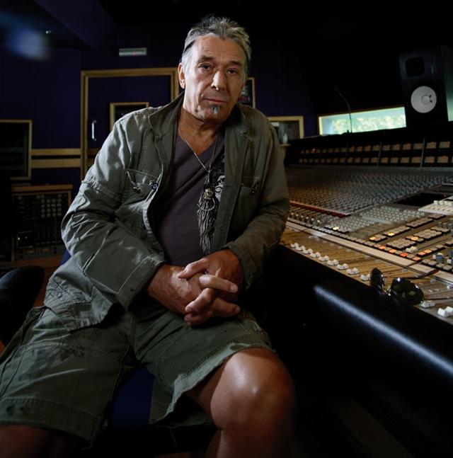 John Cale lança música remanescente de seu último disco