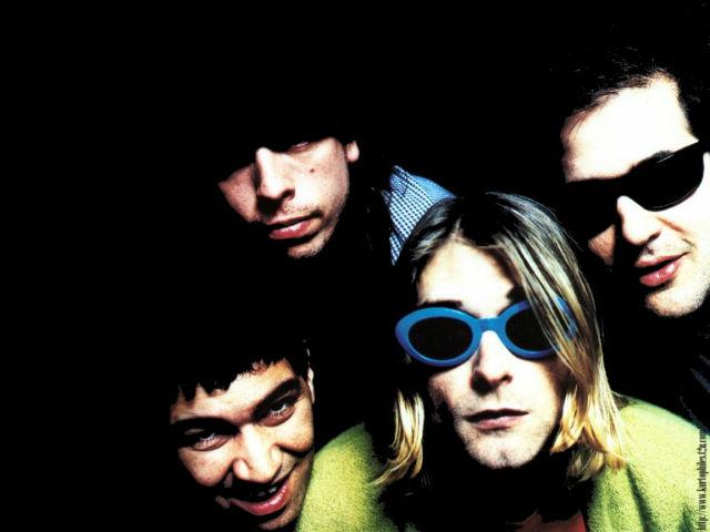 Dave Grohl revela nomes cogitados antes de Pat Smear entrar para o Nirvana