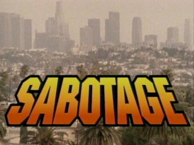 """Assista """"Sabotage"""" dos Beastie Boys em divertida refilmagem com bibliotecárias"""