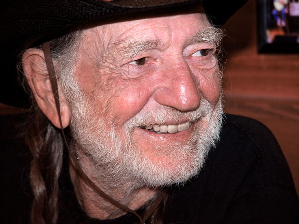 Willie Nelson lança dueto com Dolly Parton