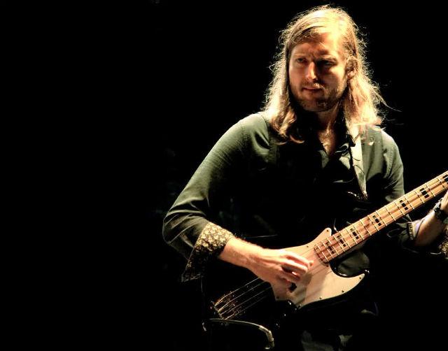 """Mark Stoermer, baixista do The Killers, não segue turnê por """"motivos pessoais"""""""