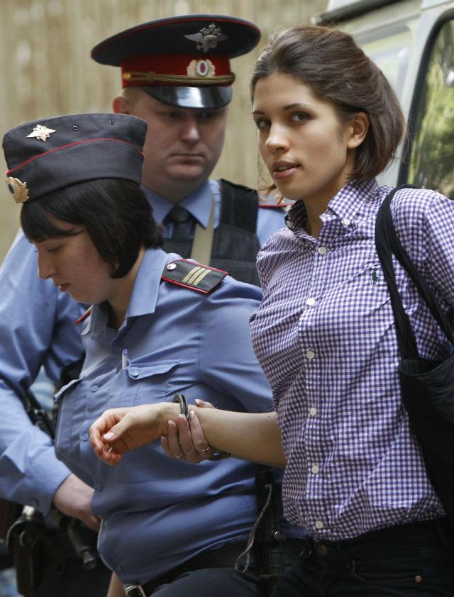 Integrante do Pussy Riot é hospitalizada após greve de fome