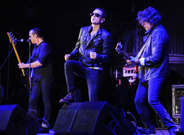 Assista ao primeiro show do Stone Temple Pilots com Chester Bennington