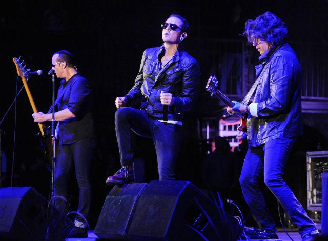 Assista ao primeiro show do Stone Temple Pilots com Chester Bennington