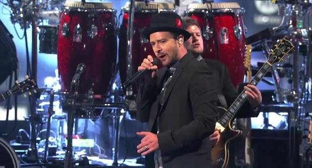 Justin Timberlake participa de dois programas de televisão