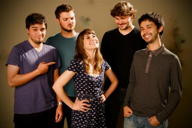 Ouça o novo disco da A Banda Mais Bonita da Cidade