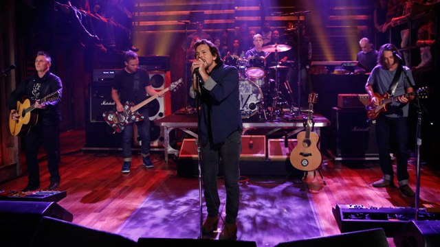 Pearl Jam no Late Night with Jimmy Fallon