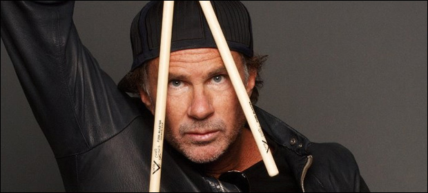 Chad Smith (RHCP) se desculpa com torcida do Flamengo