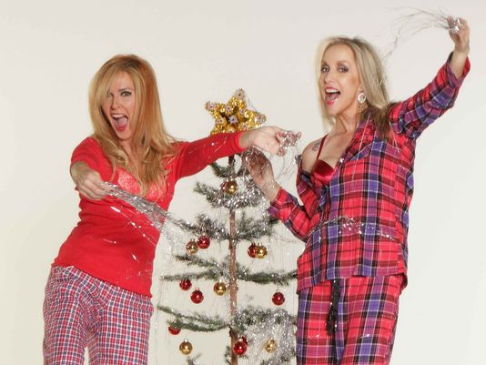 Runaways: Lita Ford e Cherie Currie lançam música de natal