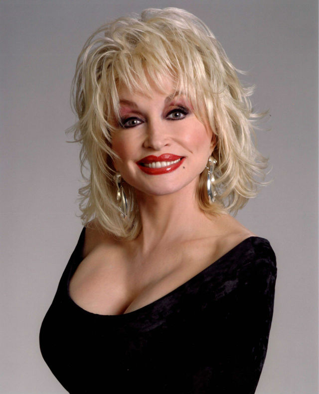 Dolly Parton, ícone country, lança