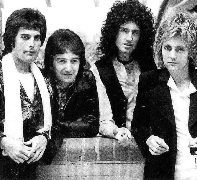 Brian May encontrou mais material inédito de Freddie Mercury