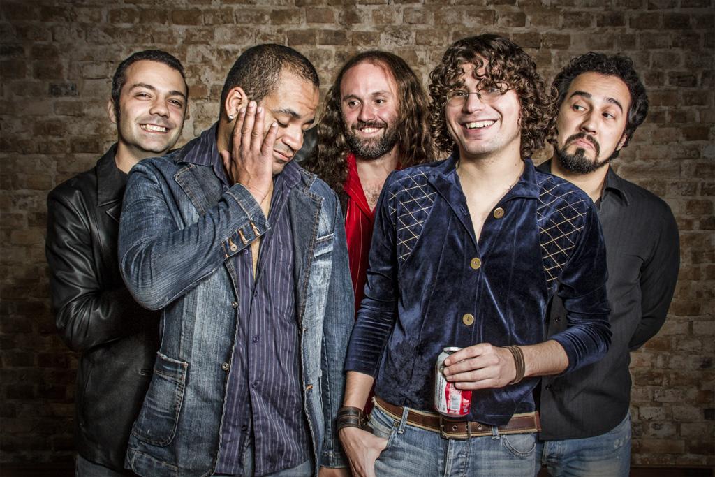 Mandabrasa prepara primeiro álbum de estúdio