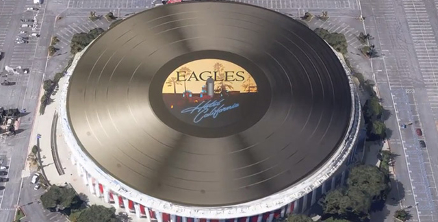"Eagles: ""Hotel California"" vira o maior vinil do mundo"