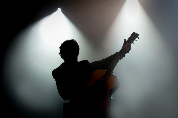 Músico no palco