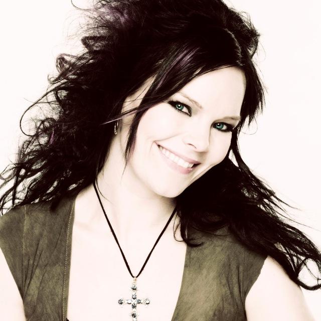 Anette Olzon (ex-Nightwish) lança primeiro álbum solo