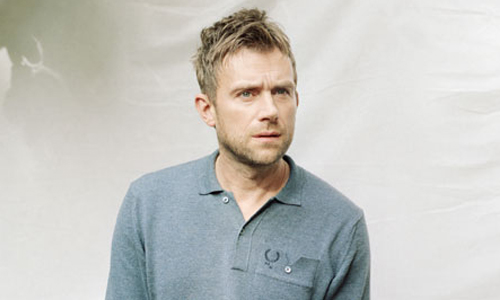 video-lonely-press-play-damon-albarn