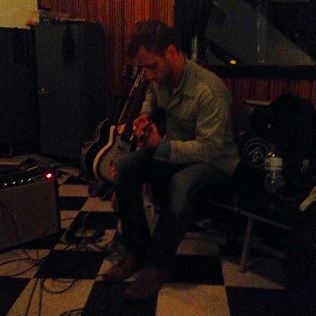 The Black Keys: guitarrista grava com The Black Titans