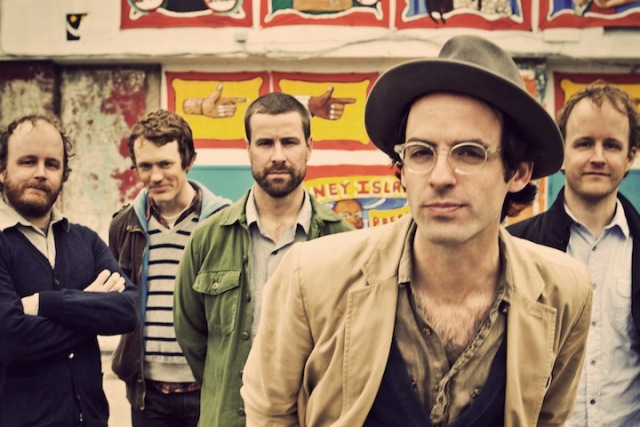 Clap Your Hands Say Yeah disponibiliza música em parceria com Matt Berninger