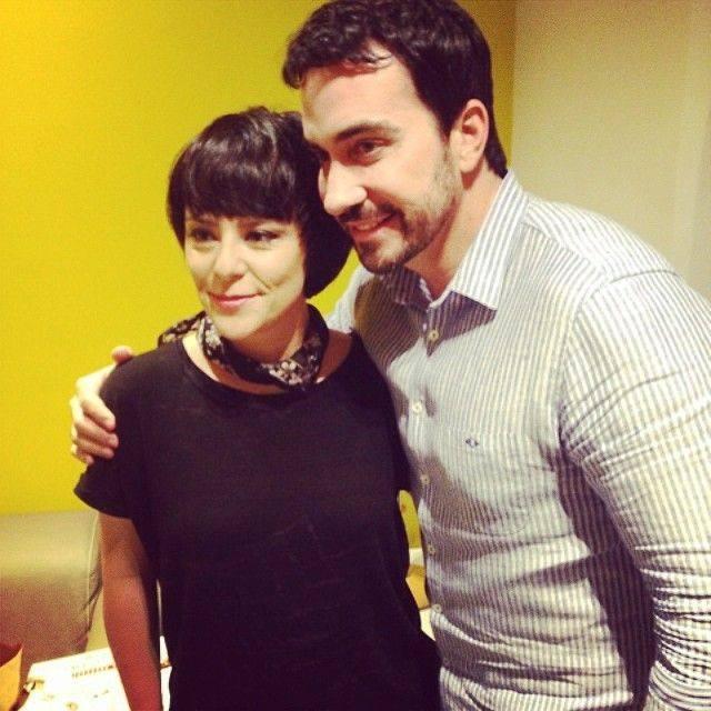 Na televisão: Fernanda Takai se apresenta no Altas Horas