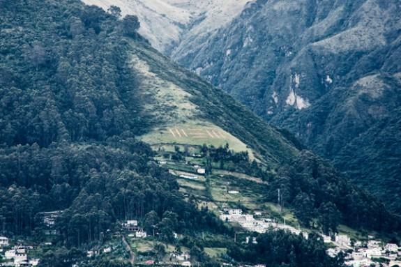 Equatorianos fazem homenagem para Paul McCartney em montanha