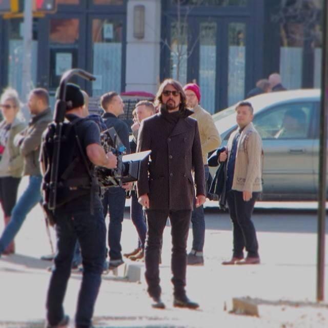 Foo Fighters: Dave grohl está produzindo série de TV durante a gravação do novo disco da banda