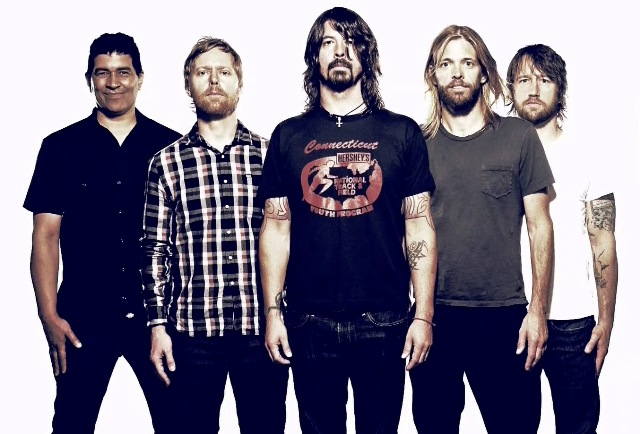 Foo Fighters confirma que novo disco será lançado no fim do ano