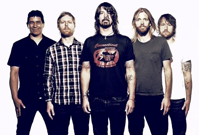 Foo Fighters confirma que novo disco será lançado no fim do ano
