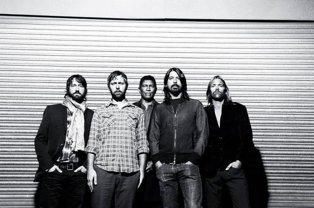 """Foo Fighters: Dave Grohl diz que novo álbum não será """"louco e sombrio como os do Radiohead"""""""
