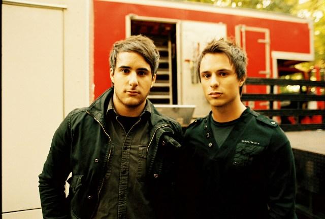 Nova banda dos irmãos Farro (ex-Paramore) entra em estúdio