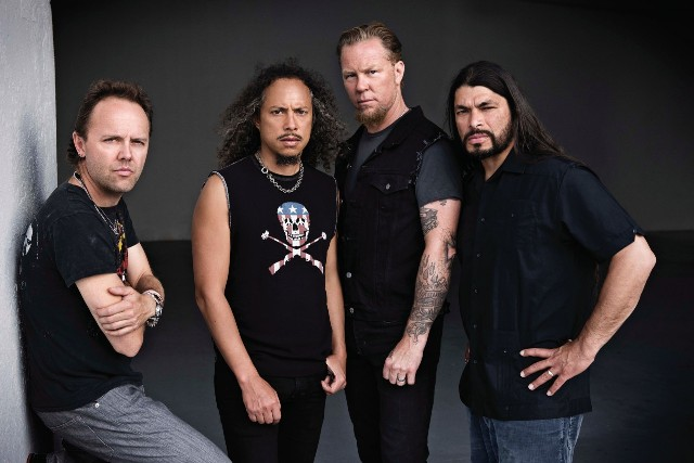 Metallica faz cover acústico de The Beatles, Ozzy Osbourne e Deep Purple